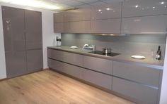 NEXTLINE NL501 TRUFFLE HIGH GLOSS New Kitchen Interior, Luxury Kitchen Design, Kitchen Room Design, Kitchen Cabinet Design, Kitchen Decor, Modern Kitchen Cabinets, Kitchen Furniture, Furniture Design, Modern Master Bathroom