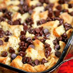 Chocolate Croissant Breakfast Bake - buttery croissants, cream cheese, sugar, eggs, milk and chocolate. Can assemble and refrigerate overnight. This is incredibly delicious! Can eat for breakfast or dessert. Perfect for Christmas morning! Best Breakfast Casserole, Baked Breakfast Recipes, Breakfast Bake, Breakfast Dishes, Sweet Breakfast, Croissant Breakfast Casserole, Breakfast Tailgate Food, Fast Breakfast Ideas, Cream Cheese Breakfast