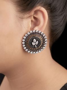 Silver Ring With Stone Indian Jewelry Earrings, Indian Jewelry Sets, Silver Jewellery Indian, Jewelry Design Earrings, Silver Jewelry, Black Earrings, Silver Ring, Stud Earrings, Antique Jewellery Designs