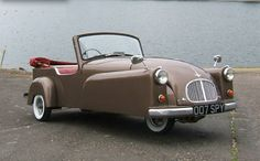 Seats 4. Was produced as an alternative to such microcars as the BMW Isetta, Messerschmitt, Fuldamobile, Peel, and Noble.