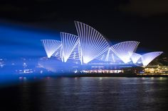 Lighting the Sails Superbien - Vivid Sydney 2011  Photo: Daniel Boud