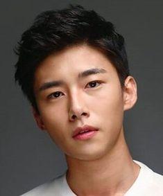 Seo Ji Hoon - loving him in Flower Crew! Actors Male, Asian Actors, Korean Actors, Flower Crew, Kdrama Actors, Korean Celebrities, Korean Men, Drama Movies, Actor Model