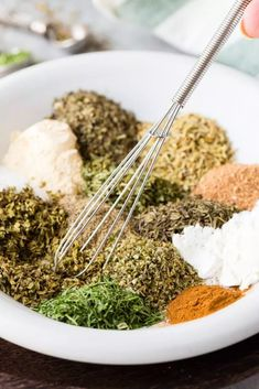 Greek Seasoning Blend This fresh, homemade Greek spice mix blends the warm herb flavors of Greek seasoning with earthy garlic and a hint of spice. Homemade Dry Mixes, Homemade Spices, Homemade Seasonings, Greek Spices, Greek Dishes, Seasoning Mixes, Greek Seasoning Blend Recipe, Spice Mixes, Spice Blends