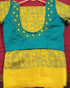 Patchwork Embroidery Simple 21 New Ideas Pattu Saree Blouse Designs, Blouse Designs Silk, Blouse Patterns, Simple Blouse Designs, Blouse Back Neck Designs, Embroidery Neck Designs, Embroidery Works, Hand Embroidery, Mirror Work Blouse Design