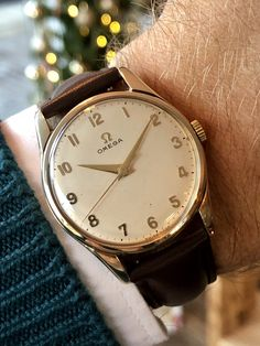 Omega Solid Gold Men's Mechanical Calibre 285 vintage watch Omega Solid Gold Men's Mechanical Calibre 285 vintage wristwatch ⌚️ FOR SALE Retro Watches, Vintage Watches For Men, Best Watches For Men, Men's Watches, Omega Seamaster Chronograph, Omega Seamaster Diver, G Shock Watches Mens, Mens Sport Watches, Best Affordable Watches