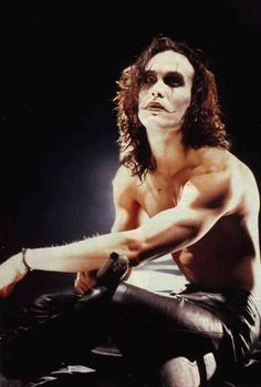 Eric Draven (Brandon Lee) amazing character, amazing actor. both amazing men.