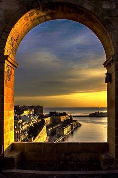 Valletta, Malta | Come Seek the Lower Barracca Gardens for rare, unparalleled views of the magnificent Grand Harbour.