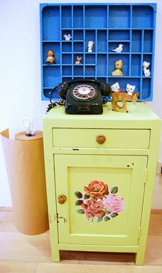vintage decor, love the shelving behind the small cabinet although i would like it a different color