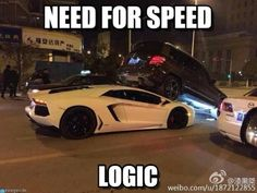 A Lamborghini Aventador ends up under a Mercedes GLK - Today Pin Mercedes G Wagon, Mercedes Maybach, Funny Car Memes, Car Humor, Hilarious, Lamborghini Aventador, Car Throttle, Ford Mustang Car, Mechanic Humor