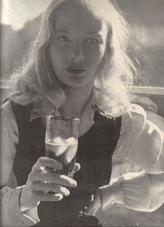 Veronica Lake's favorite picture of herself.