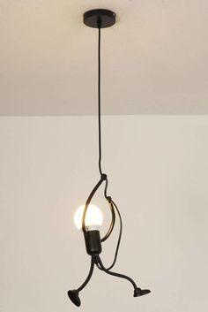 Luxury Lighting, Home Lighting, Lighting Design, Diy Hanging, Hanging Lights, Lustre Industrial, Home Wine Bar, Christmas Lights Wallpaper, Old Glass Bottles