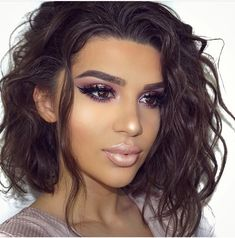 Pretty makeup - glowing - curly hair