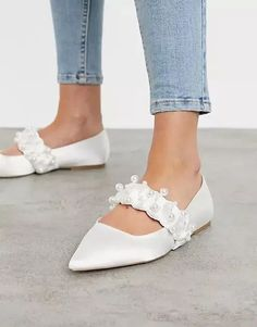Think flat wedding shoes are not as elegant as heels? We've rounded up our favorite ballet pumps, flat peep-toes and bridal sandals. Bridal Sandals, Bridal Shoes, Wedding Shoes, Wedding Dress, Asos, Ballerinas, Mary Janes, Pointed Ballet Flats, Desert Boots