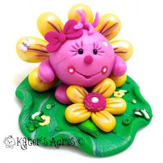 FLOWER Lolly Figurine Polymer Clay StoryBook Scene por KatersAcres