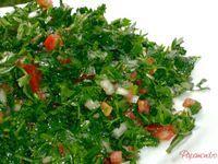 Salata de patrunjel, energie si gust ferm | Papamond Cold Vegetable Salads, Romania Food, Bubble Bread, Grilled Chicken Salad, Pesto Recipe, Natural Health Remedies, Healthy Salad Recipes, Healthy Food, Seaweed Salad