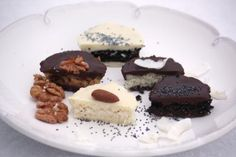 Šuhajdy orechové, kokosové a makové - recept postup 2 Cheesecake, Desserts, Food, Cookies, Tailgate Desserts, Deserts, Cheesecakes, Essen, Postres