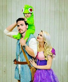 Hook and Emma with their child