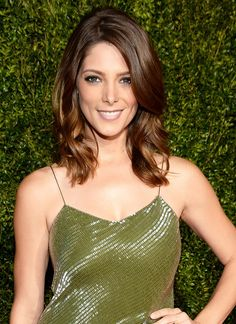 Ashley Greene's charcoal eye shadow and a cool nude lipstick with mauve undertones