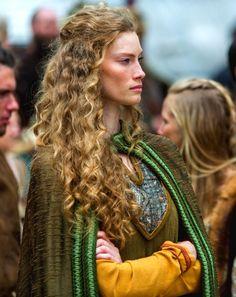 Aslaug - Alyssa Sutherland in Vikings, set in the 9th century (TV series).