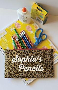 Duck Tape Pencil Pouch - love that I can make these cute zip up pouches in multiple prints in under 10 minutes!