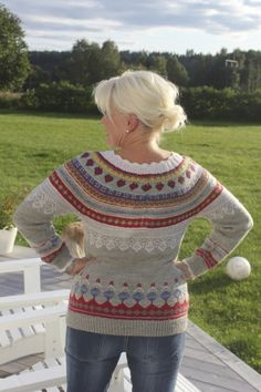 Jordbærgenser i Finull Christmas Sweaters, Crochet Top, Pullover, Knitting, Tops, Design, Women, Style, Fashion