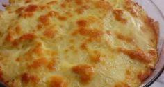 Uma receita simples, fácil de fazer que vale por uma refeição, experimente o frango gratinado com creme de milho, é uma delícia!