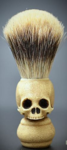 Skull shave brush prototype by Goth Chic Milano - Contact us for pre order mail I really dig this. Definitely when I get the brush this is the one I need. Shaving Brush, Wet Shaving, Memento Mori, Moustaches, Goth Chic, Skull And Bones, Men's Grooming, Skull Art, Barber Shop