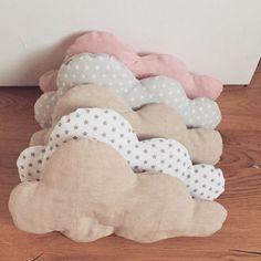 Auf Wolke 7... Wolkenkissen für das Kinderzimmer/Wohnzimmer/Laufstall/Babybett - auch als Nestchen bzw.Bettumrandung zu nutzen 9€ pro Wolke.... http://de.dawanda.com/product/76780375-Wolke-Kissen-Wolkenkissen  #wolke #kissen #clouds #laloeff #sterne #stoff #stoffe #kinderzimmer #dekoration #deko #pillow #DIY #nähen #baby #babygirl #babyboy #nestchen #bettumrandung #bett #individuelles