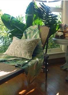 Wicker chaise /Bethany Linz: BRITISH INDIA COLLECTION