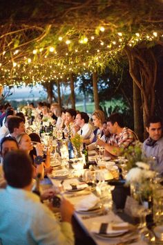 Are you planning a garden party with friends for dinner? We shall show you 20 awesome outdoor entertaining lighting ideas which will transform your garden Wedding Blog, Wedding Events, Wedding Reception, Wedding Dinner, Wedding Ideas, Wedding Table, Wedding Pictures, Wedding Rehearsal, Wedding Set