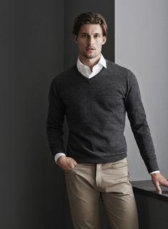 Манжеты рубашки из-под пуловера