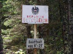 Eine einzige Berg- und Talfahrt. Austria, Funny Pictures, Funny Pics, Funny Stuff, Haha, Hilarious, Memes, Berg, Travel Destinations