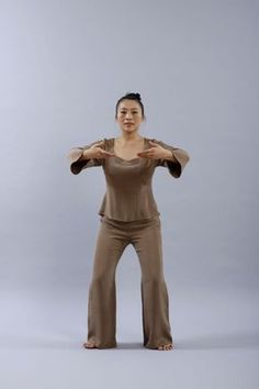 Ma séance de Qi Gong, les 8 postures clés Tai Chi Movements, Tai Chi Qigong, Burn Out, Body Therapy, Traditional Chinese Medicine, Yoga Poses For Beginners, Yin Yoga, Yoga Routine, Stress
