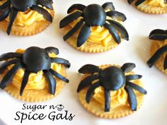 These Halloween Spider Bites make such a fun halloween treat for the kiddos or for your next Halloween party.