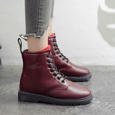 d344132db Lady s Leather Warm Fur Boots Martin Boots Flat Boots Low Heeled Thick  Bottom Fringed Short Boots. TenisZapatosModaTacones De InviernoBotas Dr ...