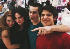 [NEW/OLD PICTURE] Dylan, Holland, Tyler and Crystal.