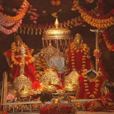 Vaishno Devi Temple – The Blessings of Mother Goddess From The Cave Maa Durga Photo, Durga Maa, Durga Goddess, Kali Hindu, Shiva Shakti, Mata Vaishno Devi, Mata Rani, Vaishno Mata, Tirumala Venkateswara Temple