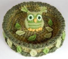 Nesting Rainbow Owls | Moji-Moji Design - free payyern