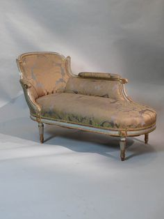 1000 images about dressing room on pinterest louis xvi for Chaise longue hire