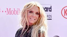 "Britney Spears Teases ""Make Me"" Video - MuzWave"