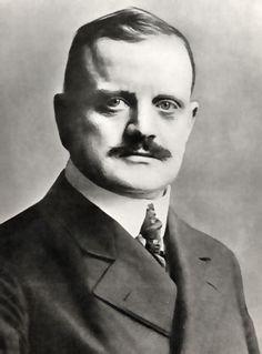 Sibelius  Finlandia - A hymn wrapped within a film noir  http://www.classicalmusicblogspot.com/finlandia-a-hymn-wrapped-within-a-film-noir/