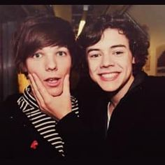 harry styles, larry stylinson, louis tomlinson, one direction Larry Stylinson, Harry Styles, Harry Edward Styles, Eleanor Calder, One Direction Photos, I Love One Direction, Direction Quotes, Louis Tomlinson, Two Girls