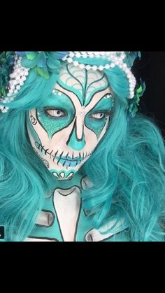 Blue pop art skull