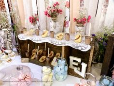 La mesa de dulces vintage de la boda de E