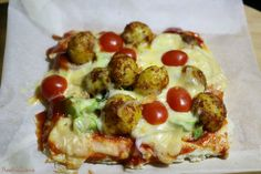 Herbed Crust with Pickled Potato Pizza / Aachari aloo Pizza