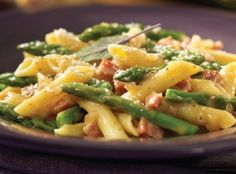 Asparagus and Pancetta Pasta --~~>This is one of those easy pasta dishes that is simple, very easy to make and looks quite pretty.