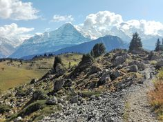 The Oberberghorn Panoramaweg with incredible scenic views is a rather short, though quite challenging loop trail for intermediate little hikers. Hiking With Kids, Hiking Tips, Switzerland, Trail, Destinations, The Incredibles, Mountains, Beautiful, Hiking