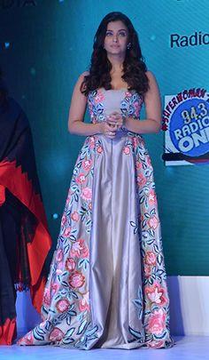 24 Best Red Carpet Classy Dress Styles From Aishwarya Ray Indian Fashion Dresses, Indian Outfits, Celebrity Style Inspiration, Aishwarya Rai Bachchan, Indian Designer Wear, Classy Dress, Indian Bridal, Bridal Dresses, Satin Dresses
