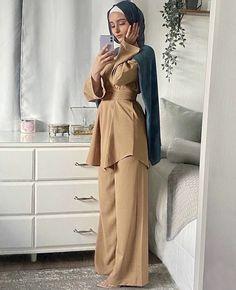 Modern Hijab Fashion, Modesty Fashion, Muslim Fashion, Fashion Outfits, Hijab Fashionista, Modest Outfits, Simple Outfits, Hijab Mode Inspiration, Iranian Women Fashion