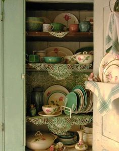 Love the shabby chic cabinet and old time-y dishes. Reminds me of grannies house! Would look cute in a cottage. Vintage Dishes, Vintage China, Vintage Kitchen, Vintage Green, Antique Dishes, Cottage Living, Cottage Chic, Cottage Style, Dish Display
